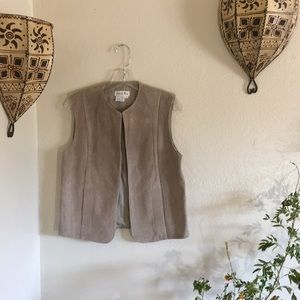 🥠VTG suede leather boho vest